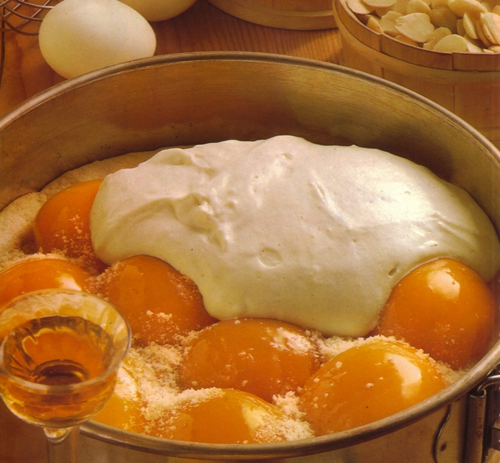 Authentic german creamy peach cake best german recipes for Authentic german cuisine